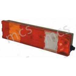 Fanale posteriore con catadiottro senza luce targa DX